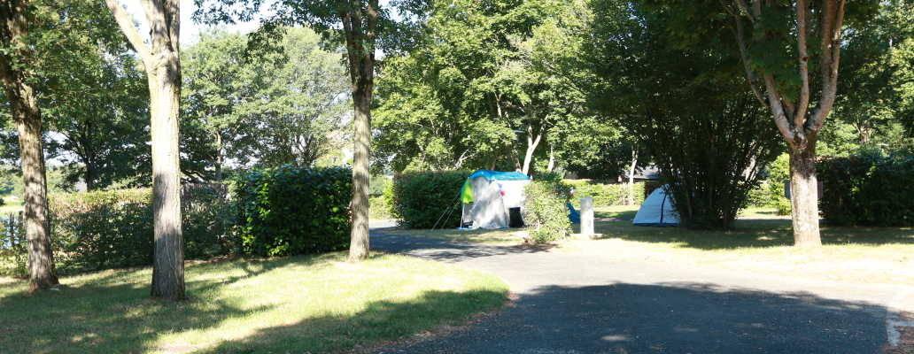 Emplacement pour tentes, caravanes et camping-cars